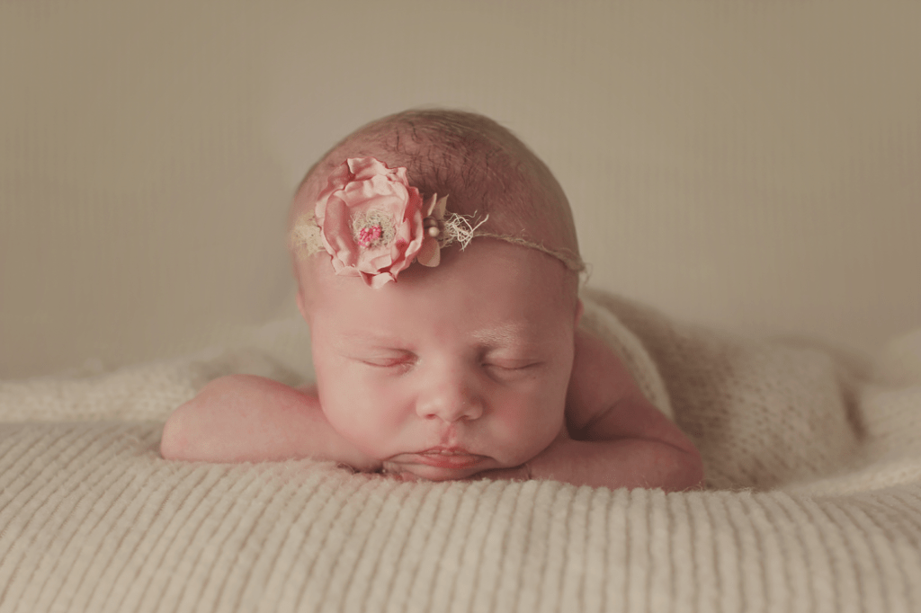 Newborn girl session Independance, LA newborn photographer 3