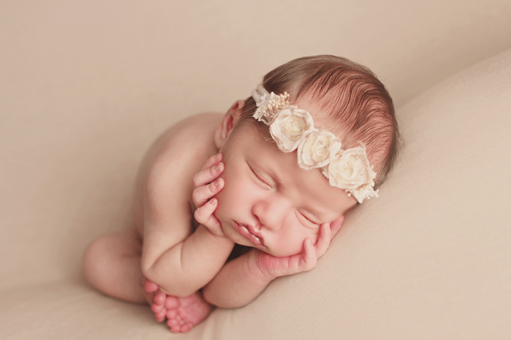 Newborn-girl-with-neutral-f