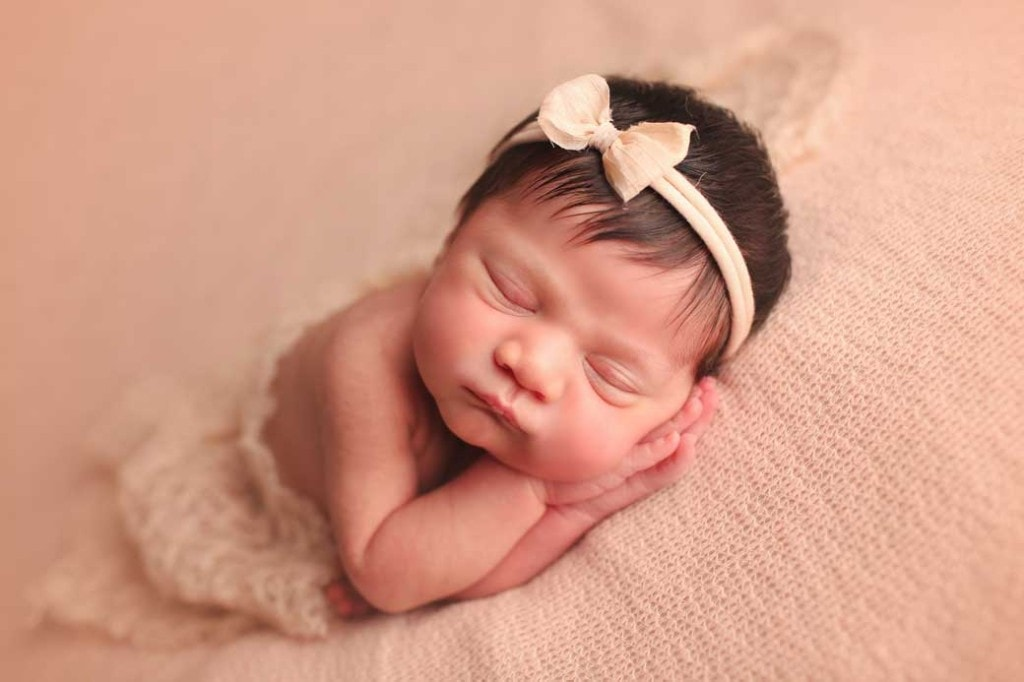 newborn-girl-side-sleeper-p