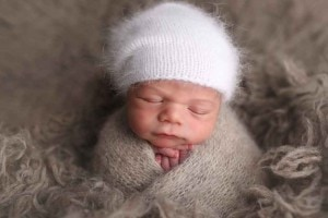 newborn-boy-in-slouch-hat