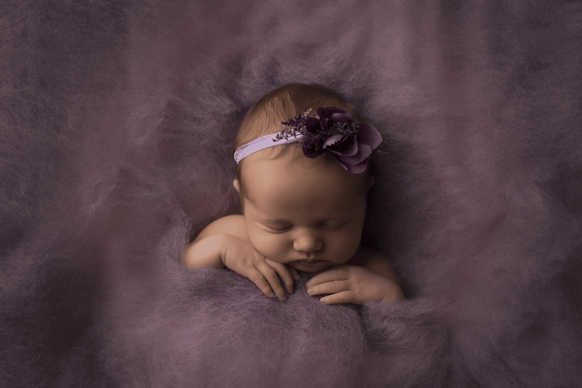 newborn-baby-girl-sleeping