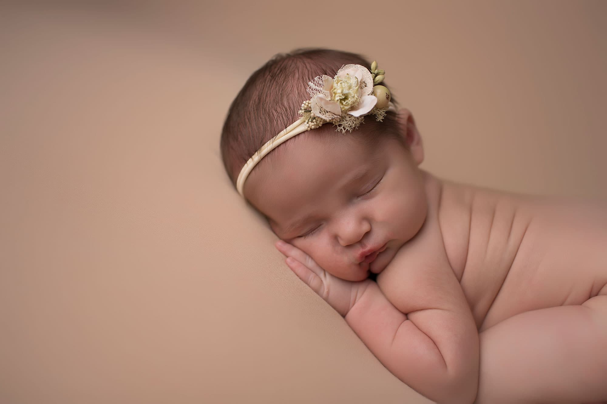 newborn-girl-sleeping