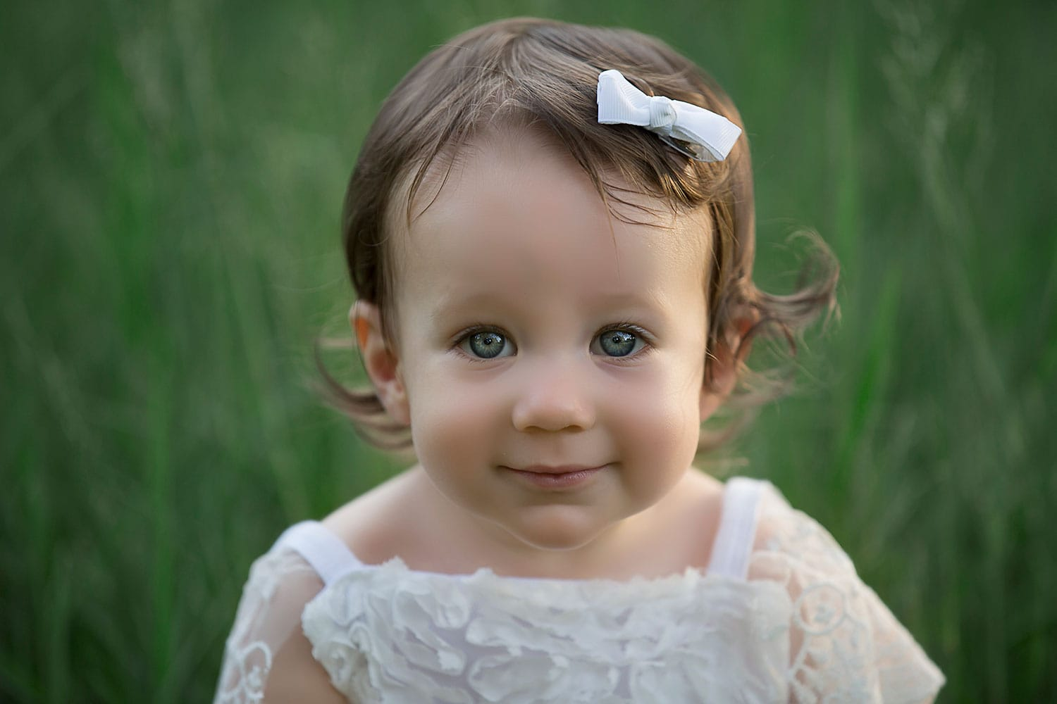 Beautiful blue eyed baby by Annie Whitaker Photography