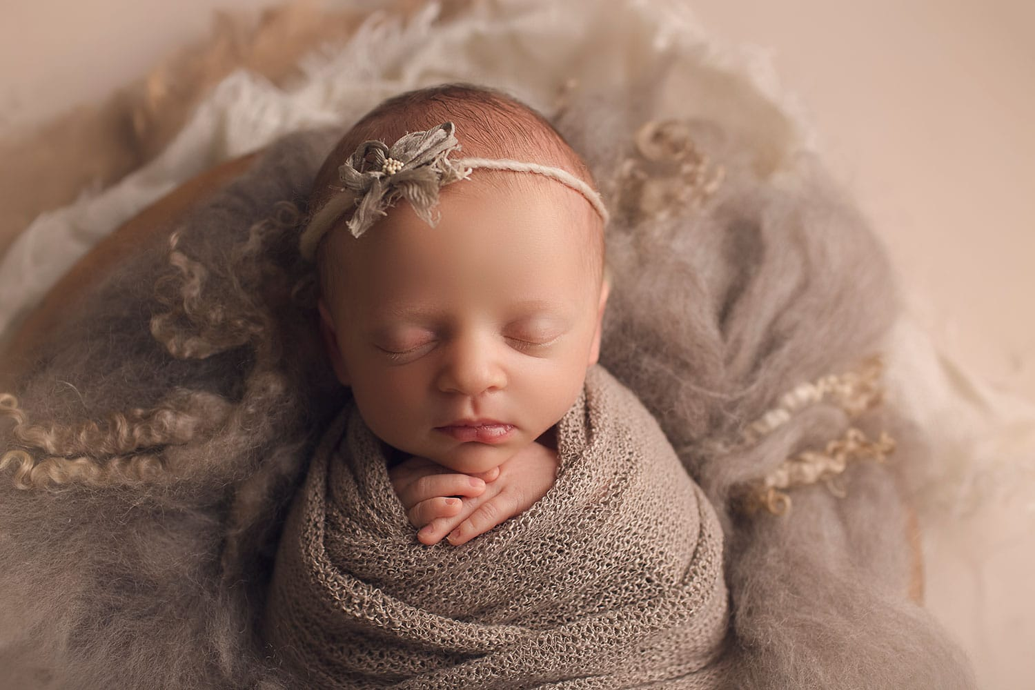 Newborn neutral set up by Annie Whitaker Photography