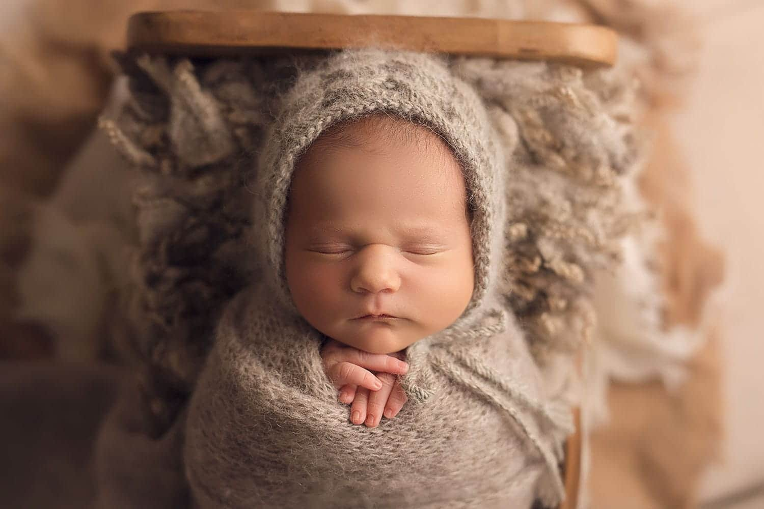 Soft neutral newborn session by Annie Whitaker Photography
