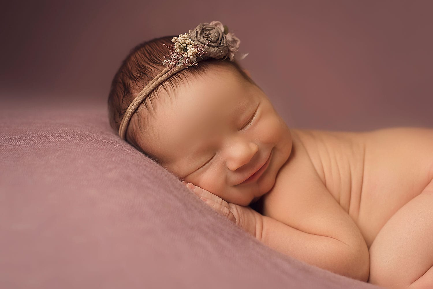 happy newborn by annie whitaker photography