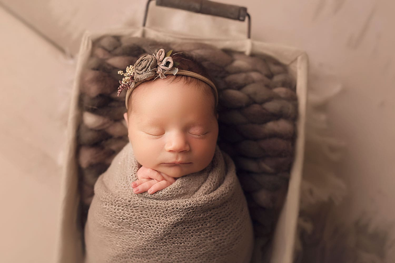 Organic newborn photography by Annie Whitaker Photography