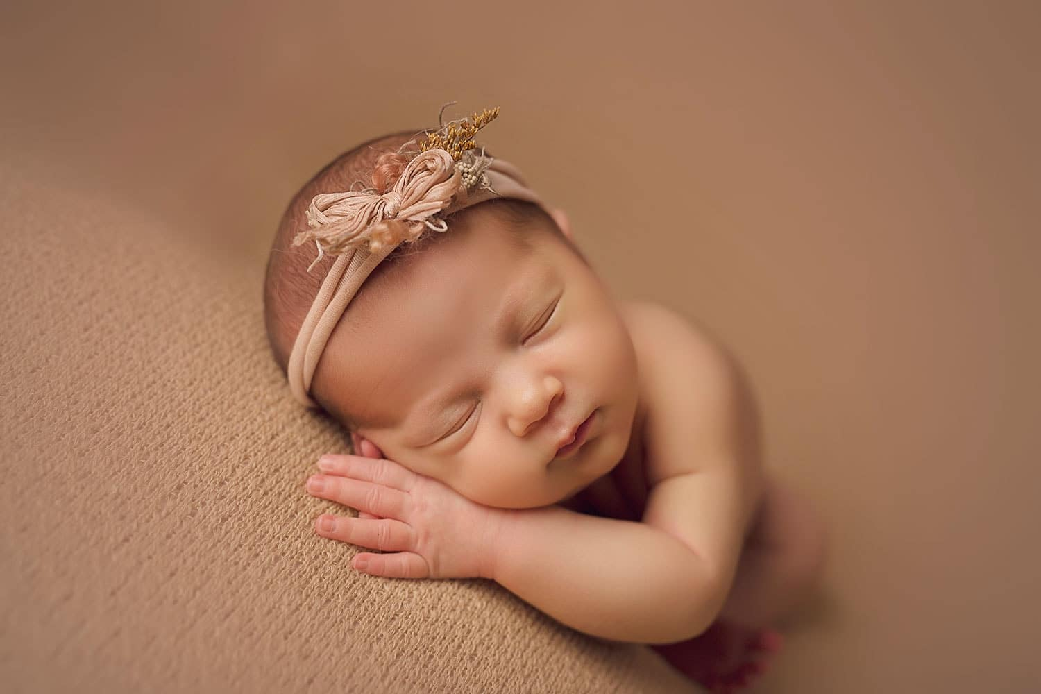 Precious baby girl by Annie Whitaker Photography