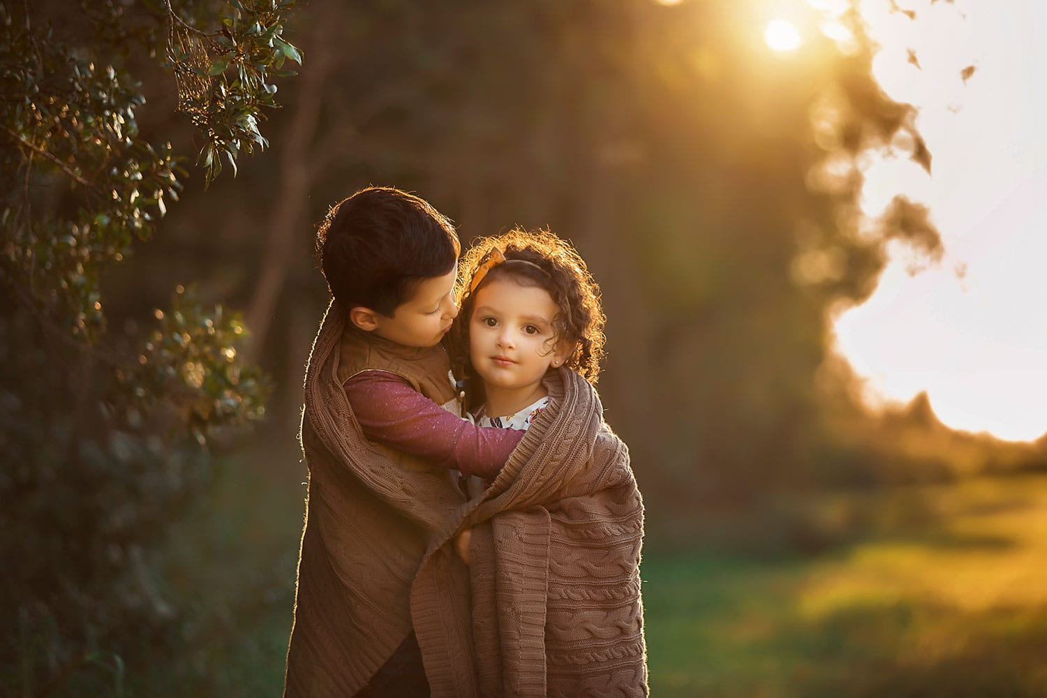 big brother little sister by Annie Whitaker Photography