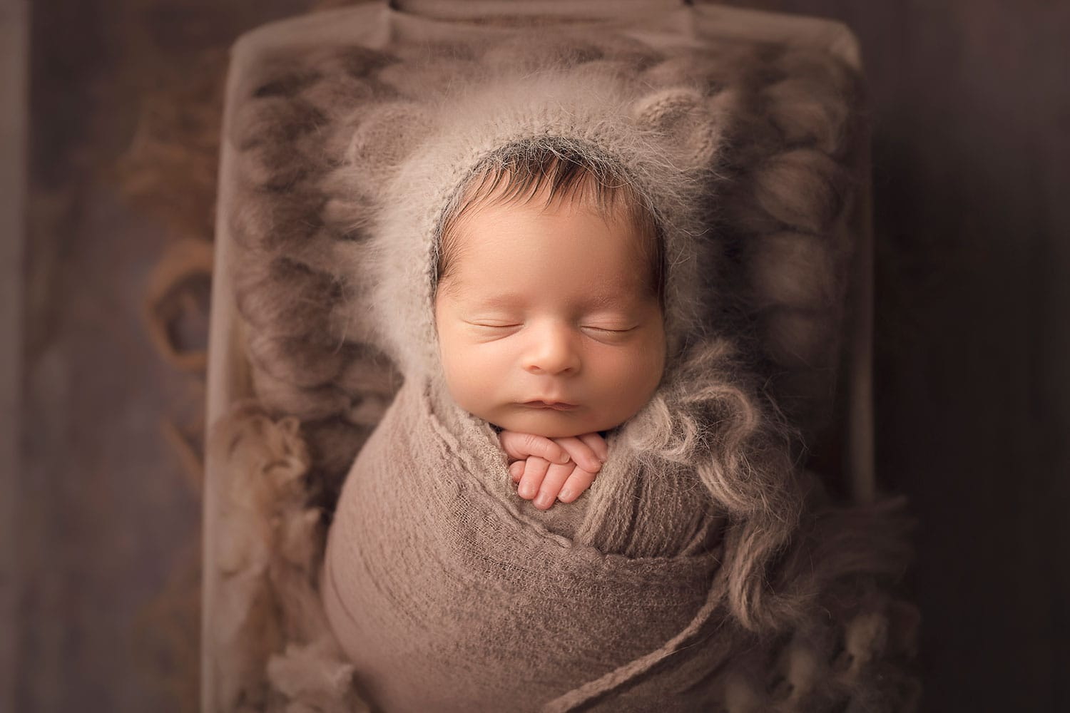 Fine art newborn photographer in New Orleans LA