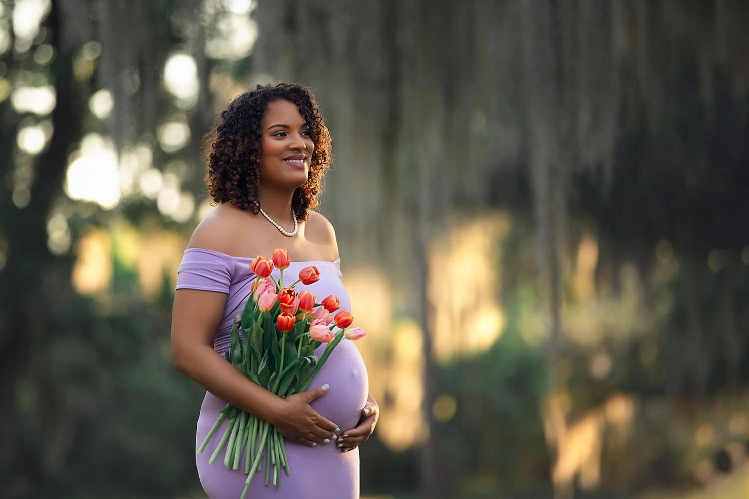 stunning mother to be by Annie Whitaker Photography