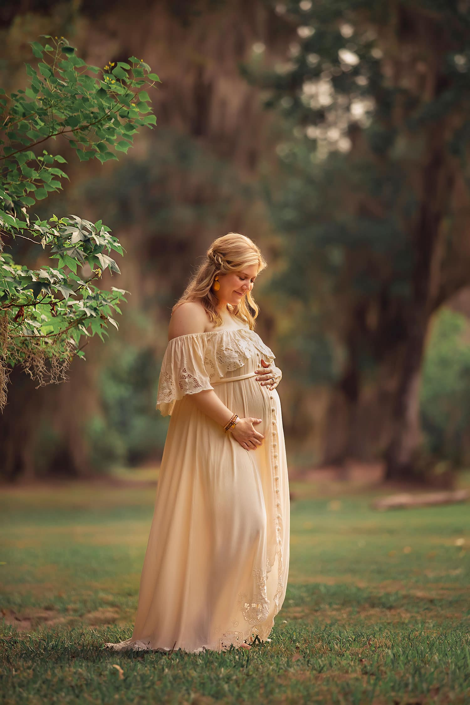New Orleans best maternity photographer by Annie Whitaker Photography