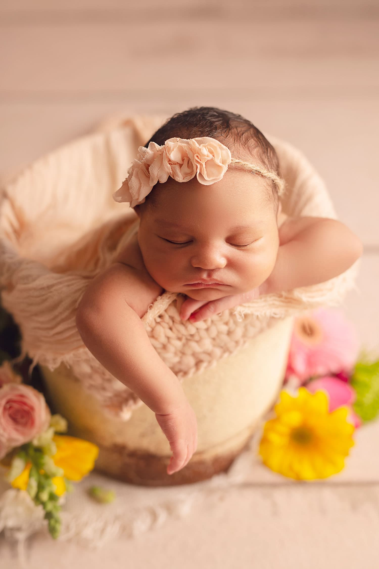 Summer newborn set up by Annie Whitaker Photography