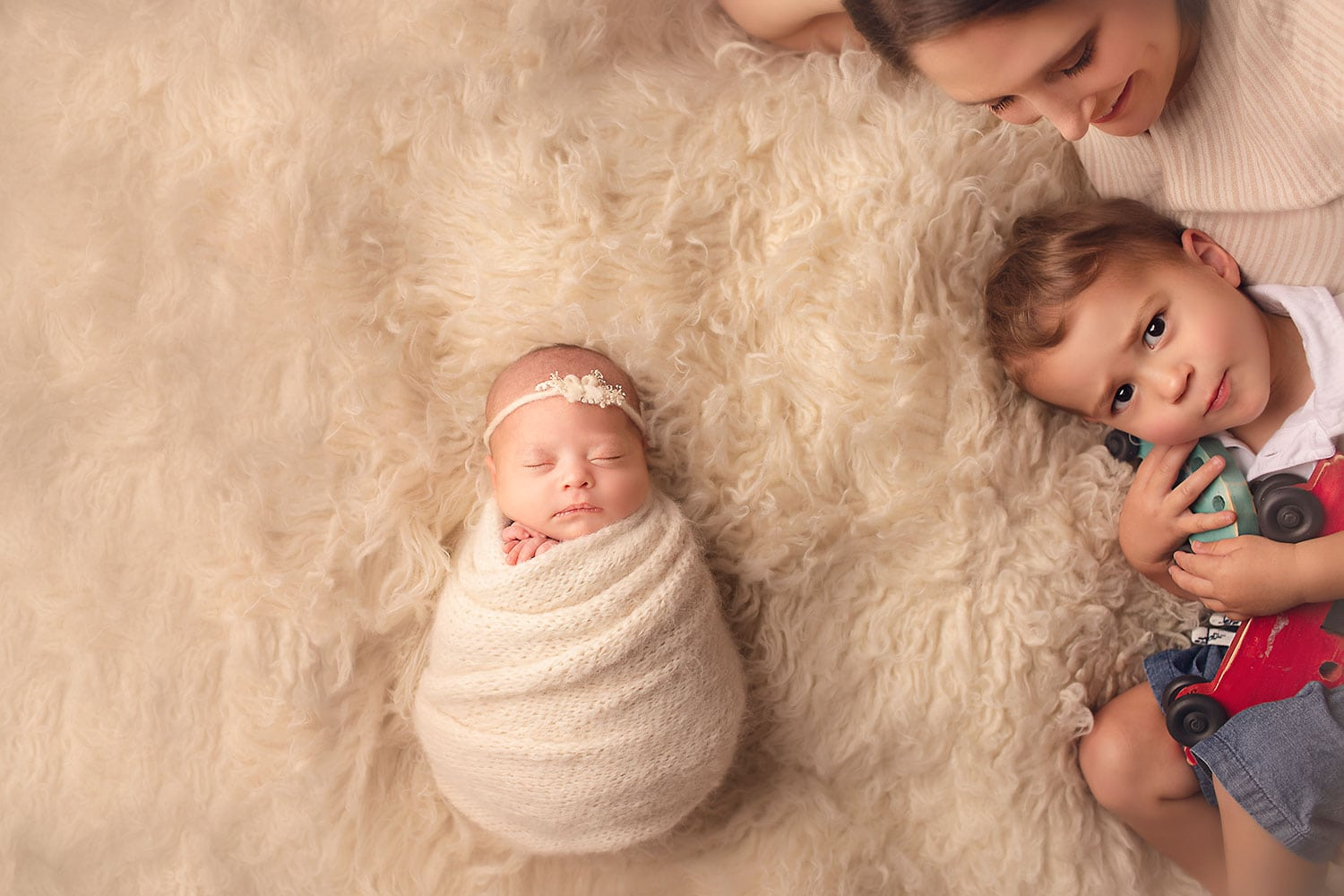 newborn session outtakes by Annie Whitaker Photography