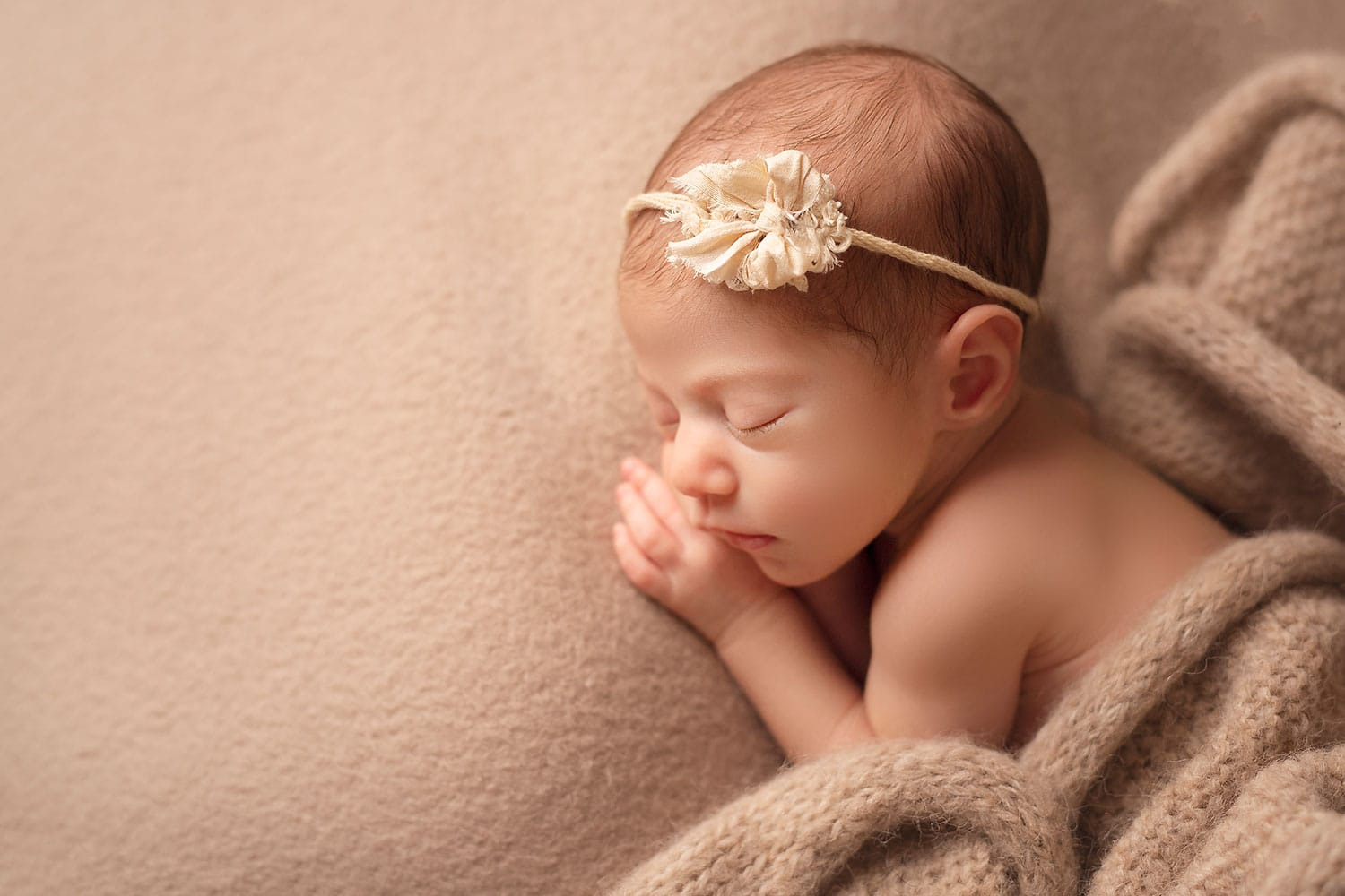 sweet newborn side pose by Annie Whitaker Photography
