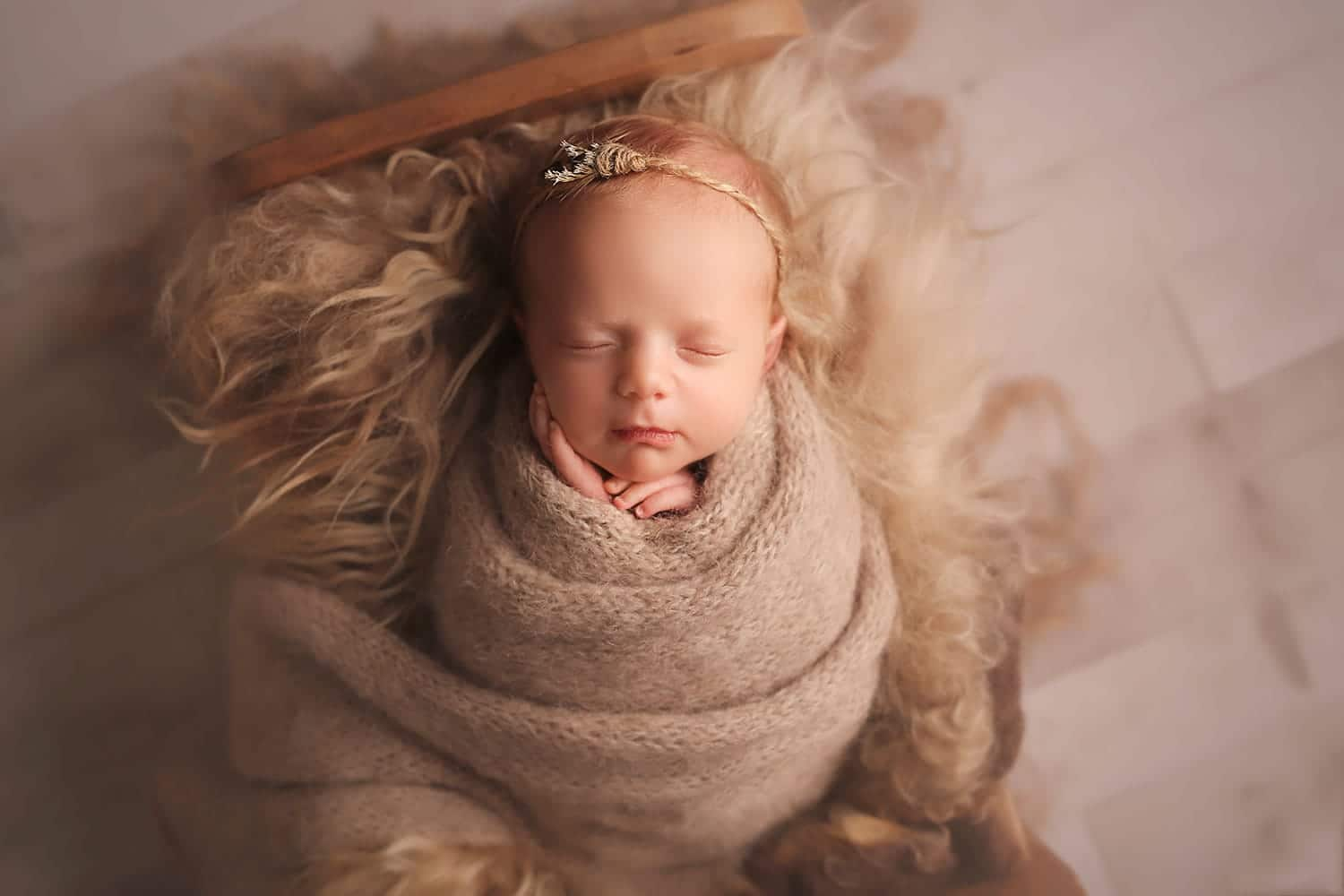 Organic newborn set up by Annie Whitaker Photography