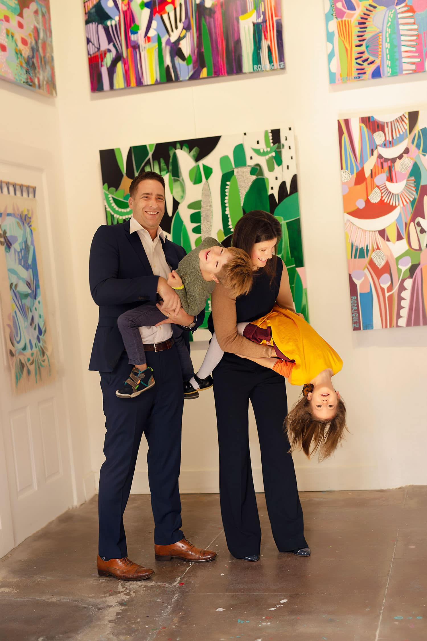 silly family photos by Annie Whitaker Photography