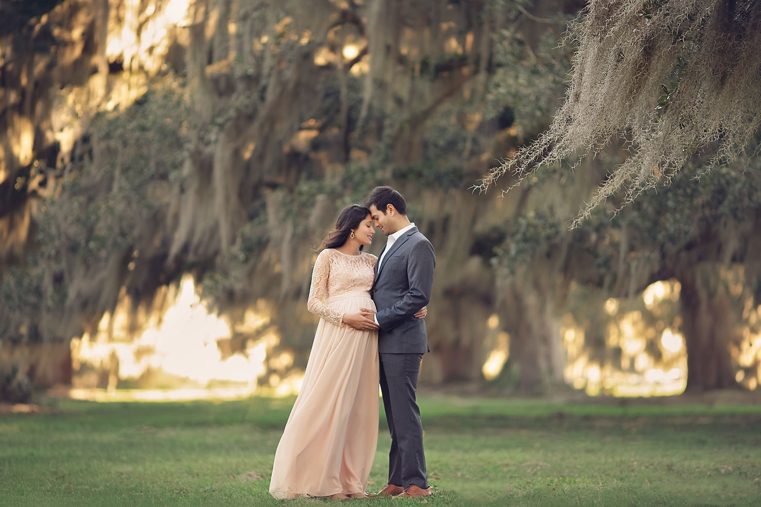 Expecting couple at Fontainebleau State Park