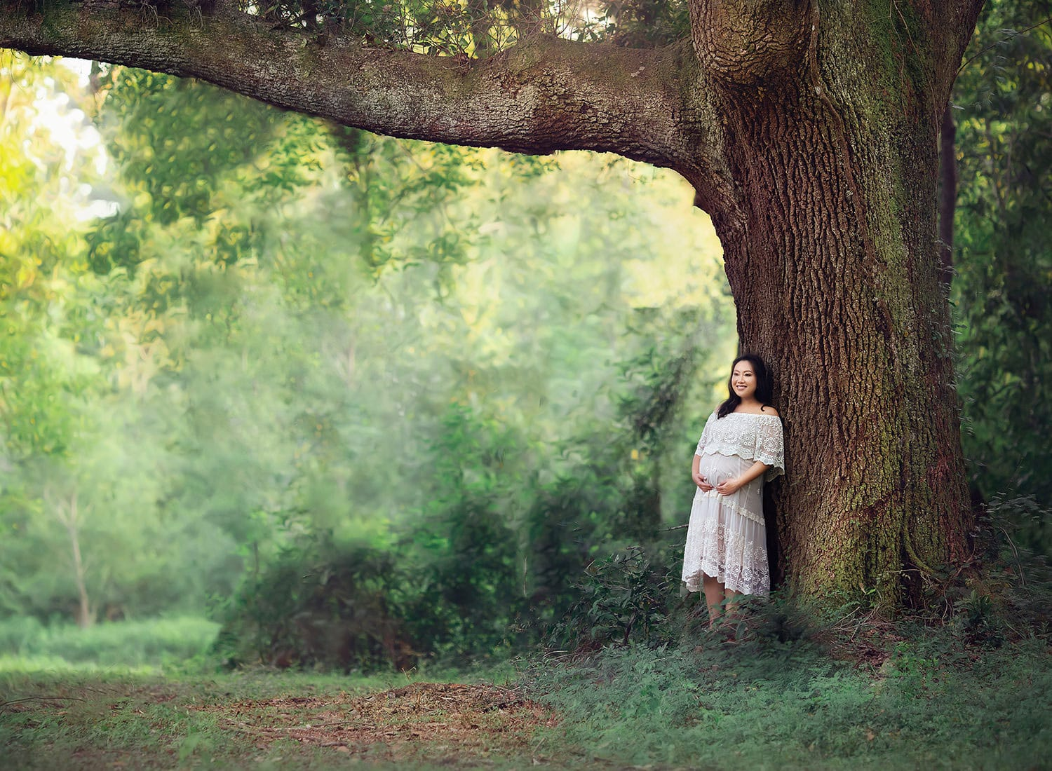 pregnant lady by oak tree