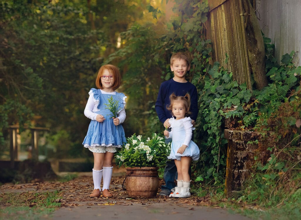 shades of blue mini session of three kids